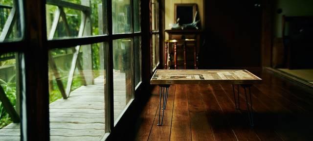 昭和の知恵をリビングに ちゃぶ台スタイルの折りたたみローテーブルをDIY