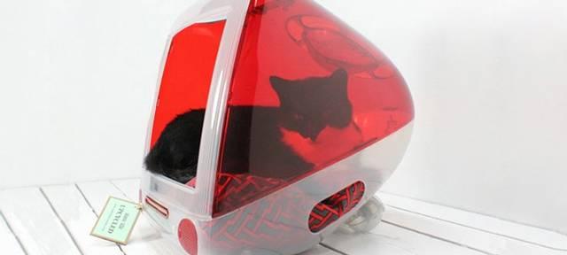 猫もMacが大好きにゃ! 古いiMacをキャットベッドにDIY