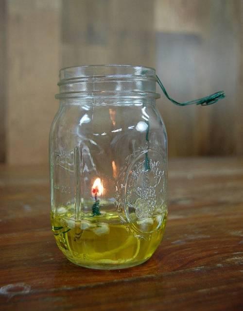 残ったオリーブオイルやサラダ油で簡単オイルランプをDIY!
