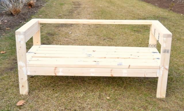 2×4材でガーデンベンチをDIY