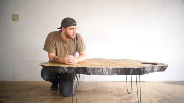 かっこいい一枚板が見つかったらテーブルにしちゃいましょう!