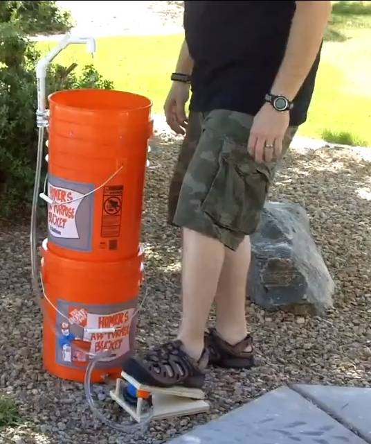 キャンプに役立つ!塩ビパイプとプラスチックバケットで作るDIYシンク