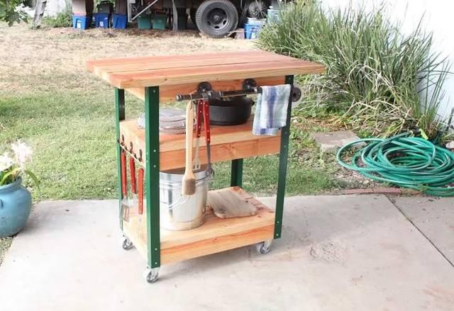 BBQ道具を収納できる移動式のグリルカートをDIY!