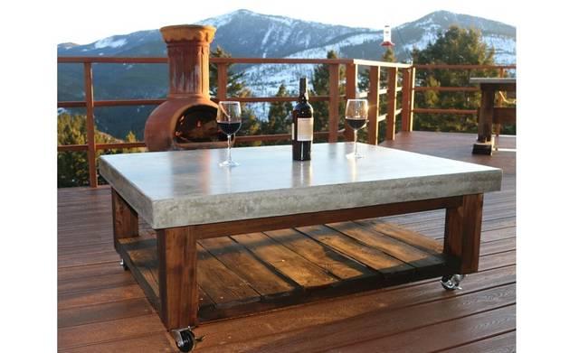アウトドアシーンで活躍♪コンクリート製テーブルをDIY!