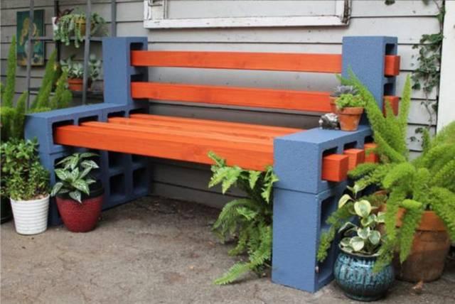 ブロックと角材で作る簡単ベンチをDIY!