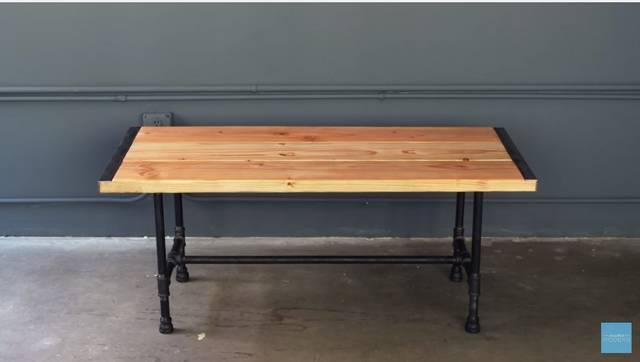 鉄パイプを使ってコーヒーテーブルをDIY!