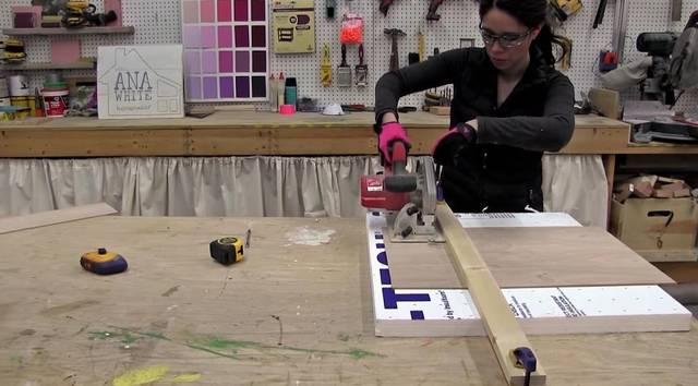 丸ノコを使って木材をまっすぐに切るティップス!