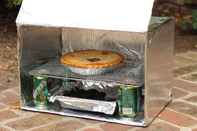 ピザも焼けるアウトドアオーブンを身近な素材でDIY!