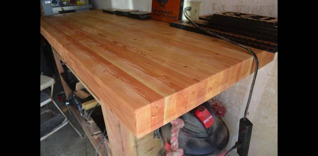 2x4材を重ねて重厚感のある一枚板風の木材にDIY!