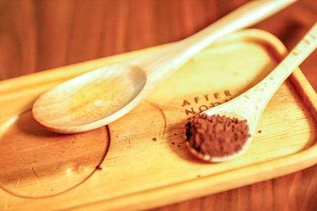 コーヒーと酢とオリーブオイルで木製製品の傷を隠す裏技!