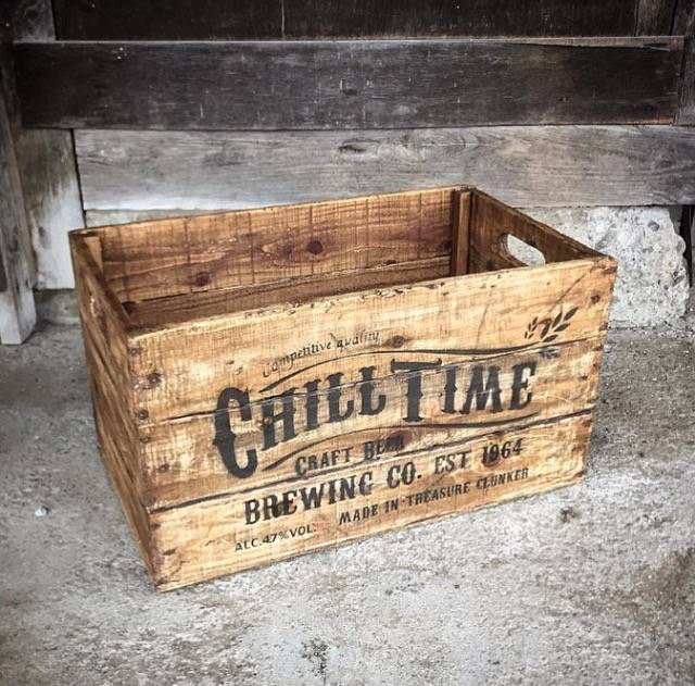 ビンテージテイストな木箱