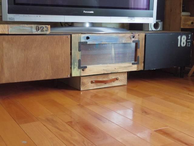 テレビ台の下に端材で引き出しを作ろう