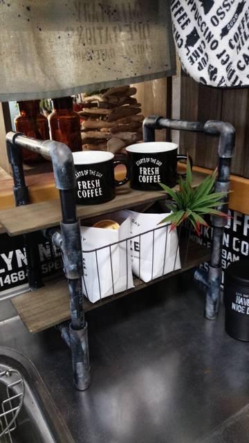 塩ビパイプ棚でコーヒーコーナー