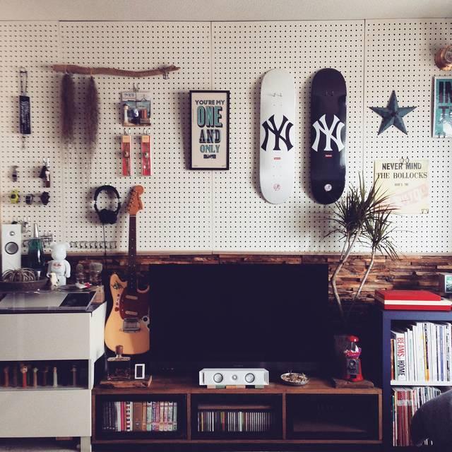 壁面収納をDIY!ブラケットや有孔ボードでアレンジ自由自在