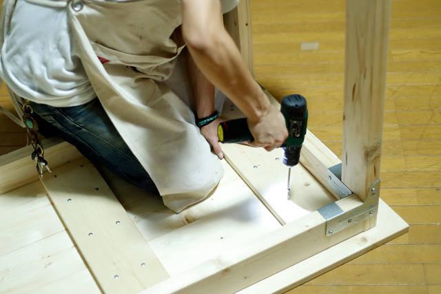 シンプソン金具と規格材で作るDIYテーブル!