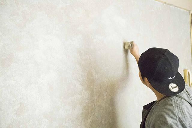 壁の塗装をDIYで、コンクリート風に!