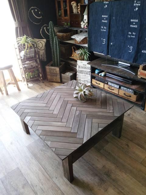 すのこと2×4材でヘリンボーン柄ローテーブル