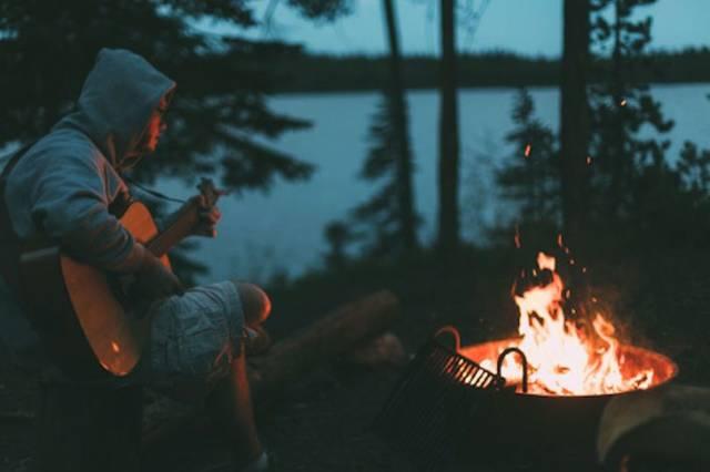 キャンプの夜を彩る、焚き火台!ブランド別おすすめ29選