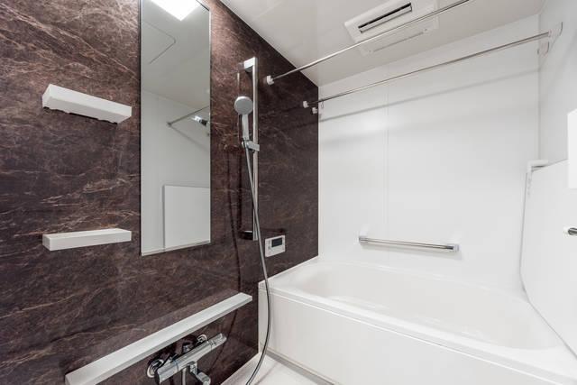 お風呂の換気扇、24時間回しっぱなしで大丈夫?正しい使い方を徹底解説