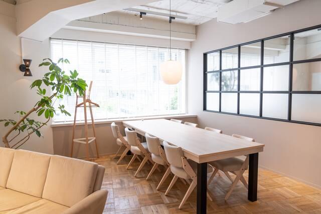 会議室をオシャレにデザインするコツとは?参考にしたいインテリア実例