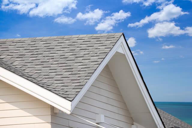 屋根の重ね張り(カバー工法)とは?施工方法や費用、注意点を徹底解説!
