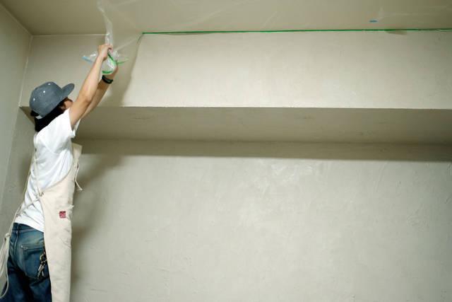 珪藻土塗りにDIYで挑戦!壁紙の上からでも塗れちゃうんです!!