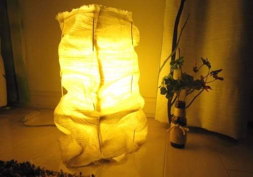 間接照明をDIYして、インテリアをより華やかに!アイデア25選