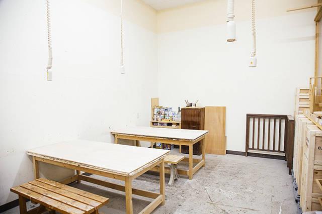 【DCM de DIY】サンダーで家具をガラリと変える!エイジング塗装術