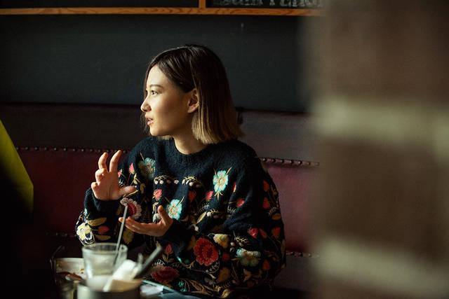 喫茶と甘味とよもやま話 〜Vol.03 佐藤千亜妃(きのこ帝国)と、朝から自家製パンケーキとグラノーラに舌鼓〜