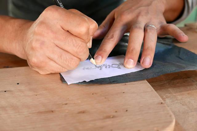 食卓をオシャレに!超簡単オリジナルカッティングボードをDIY!