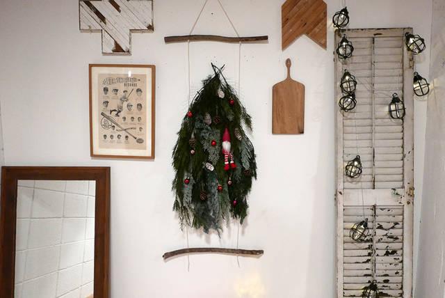 スペースいらず!壁掛けクリスマスツリーをDIY!