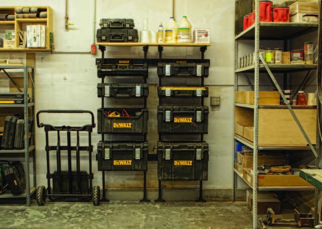 TOUGHSYSTEMはガレージと好相性!アウトドアでも使える壁掛けOKなツールボックス