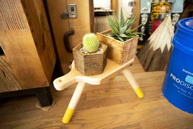 座ってよし、飾ってよし!小さなマルチプレイヤー・ミルクスツールをDIY!
