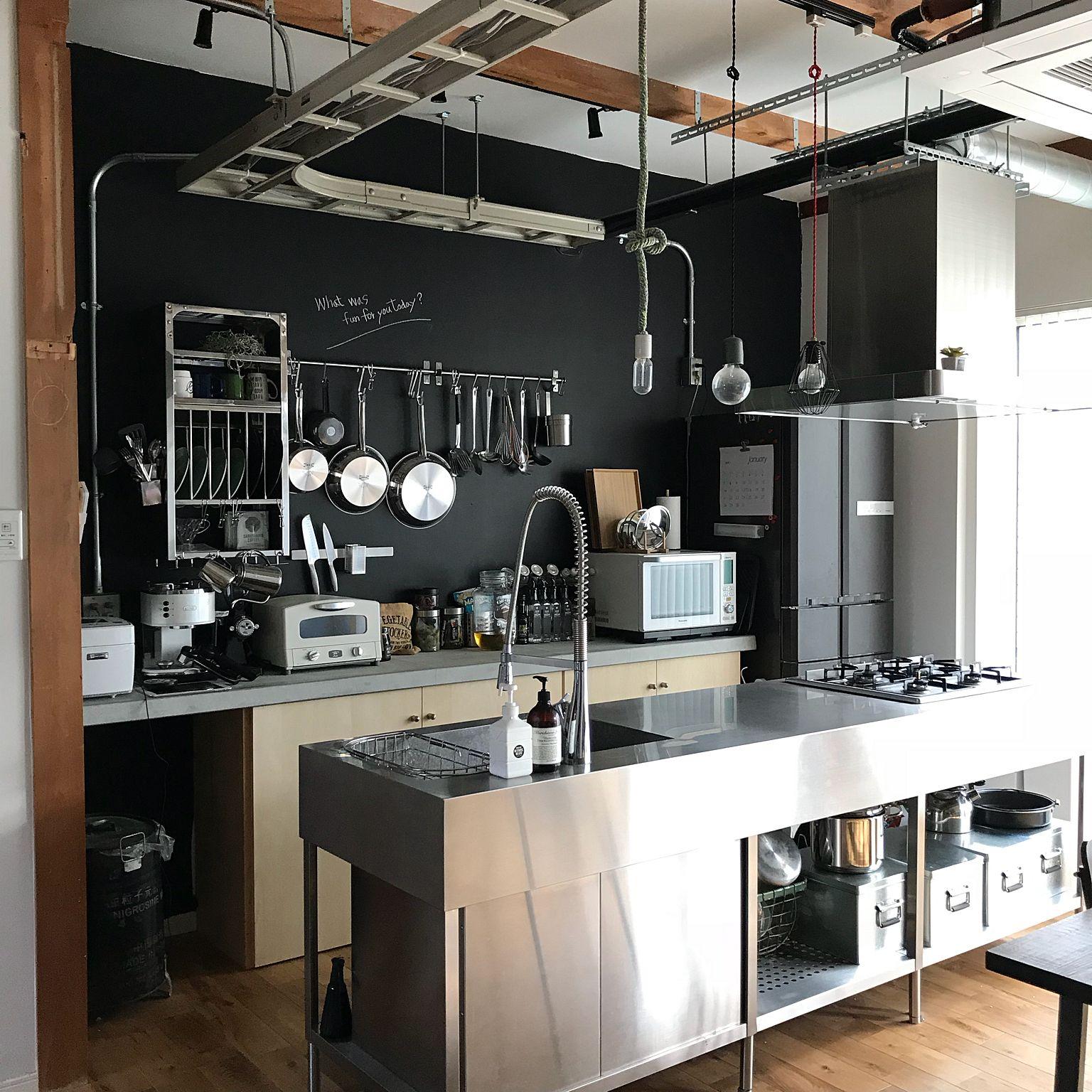 壁紙でつくる憧れのカフェ風空間 おしゃれなお部屋作りに役立つ
