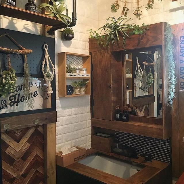 古い洗面台をイメチェン!賃貸もOKのリメイクシートを使ったアイデア集