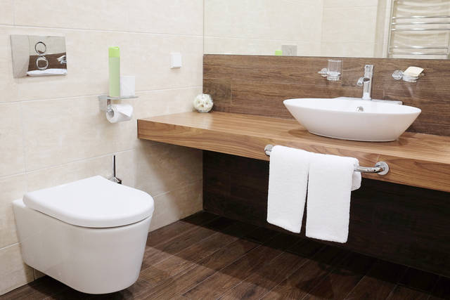 値段が気になる…!トイレの換気扇・交換リフォーム工事費用はどのくらい?