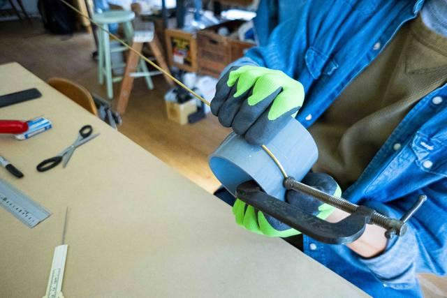 2本の真鍮で作る洒落顔DIY!インテリアを選ばず映えるプラントハンガー