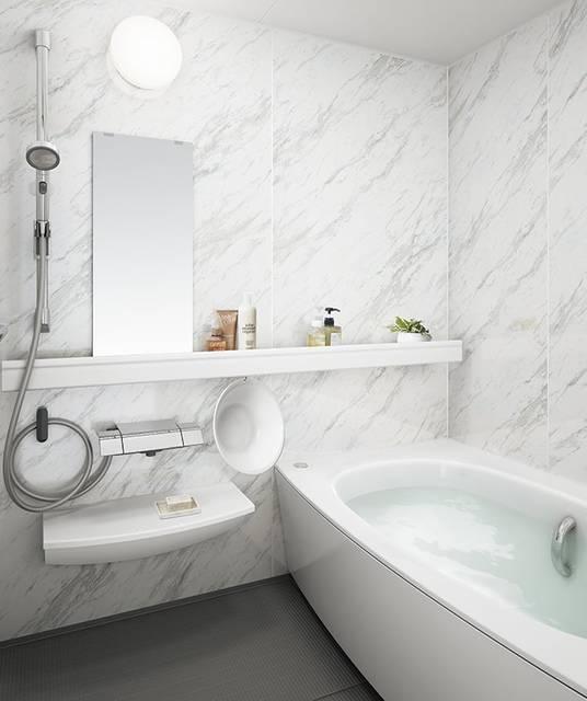 浴室の壁をパネルで模様替え!DIYとリフォームの違いとは?