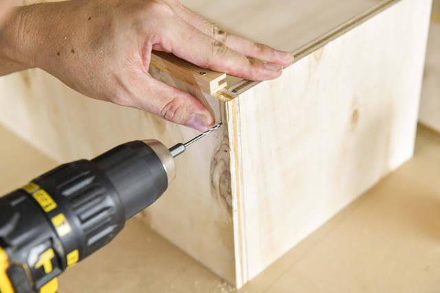 3つの木材で簡単スッキリ!開け閉め楽々なスライドドアラックをDIY!
