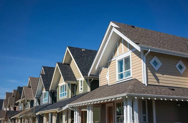 屋根リフォームのすべて、教えます。種類と費用相場&知っておくべき情報まとめ