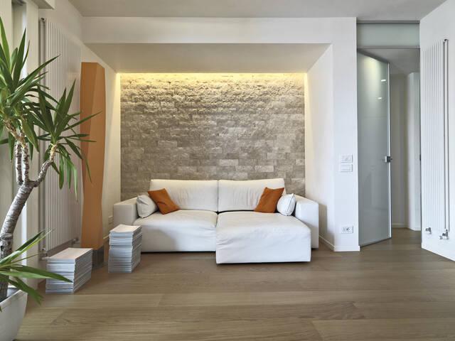 「石壁」で、ワンランク上の家づくり。外壁・内装のおしゃれ事例&DIYも!