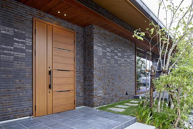 外壁をタイルにするメリットとは?オシャレな施工例や費用目安を一挙紹介