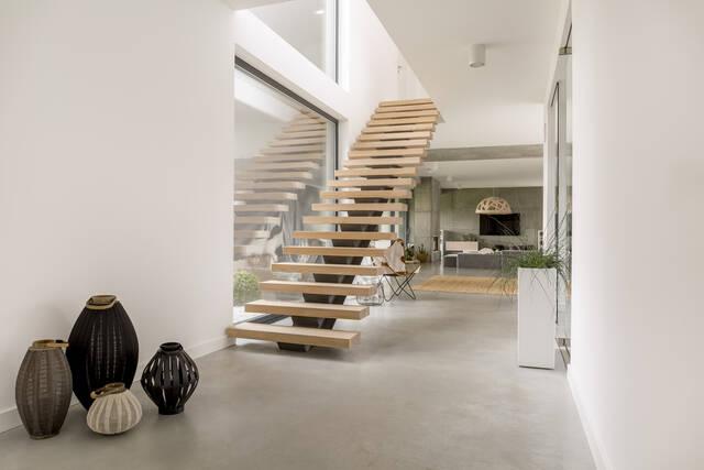 階段リフォームの費用相場を一覧解説!事前に知っておくべきポイントとは?