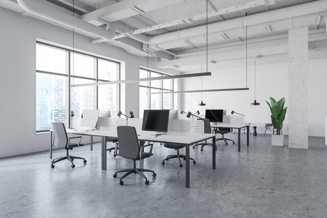 フリーアドレス導入でオフィスの在り方が変わる!メリット・デメリットを解説