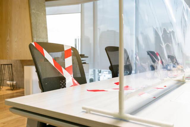 オフィスで求められる感染症予防対策│飛沫防止グッズの活用方法を解説