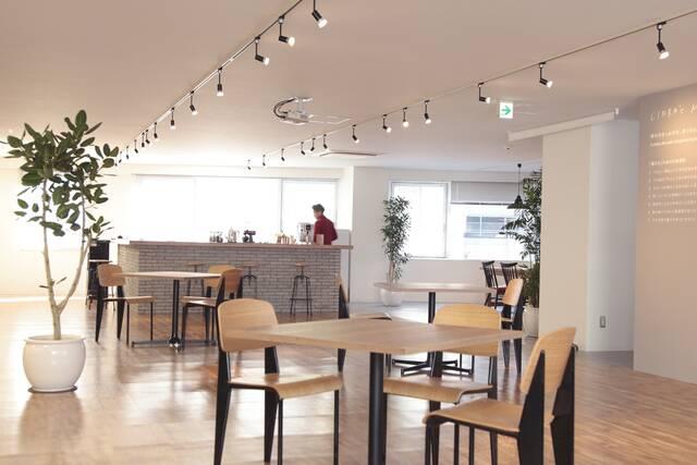 人気沸騰中のオフィスカフェ!設置するメリットや導入事例を紹介