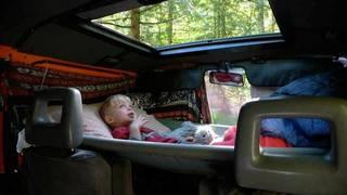 え?車の中に寝そべる場所をDIY! | DIYer(s)