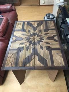 ネイティブ風柄に組立ベニヤテーブルの天板をリニューアル