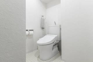 トイレにエアコンは設置できる?工事不要、くつろぎ空間の作り方 | DIYer(s)│リノベと暮らしとDIY。