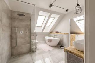 シャワーも「おしゃれ」にこだわりたい!蛇口から選ぶ秀逸バスルーム | DIYer(s)│リノベと暮らしとDIY。
